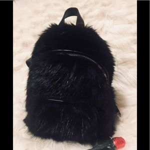 Kendall + Kylie faux fur backpack 🎒